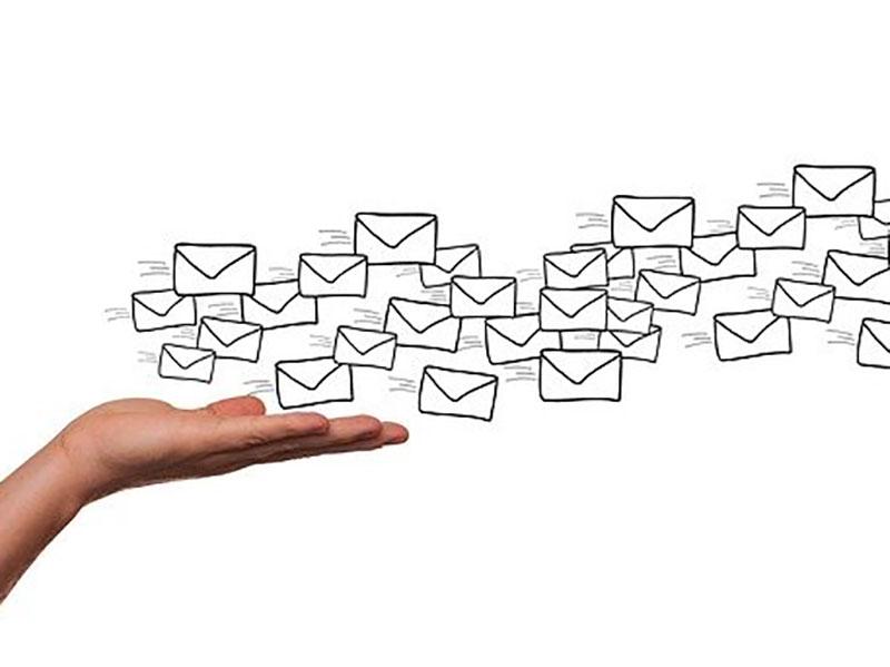 Le Courriel à Envoyer Avec «modération»